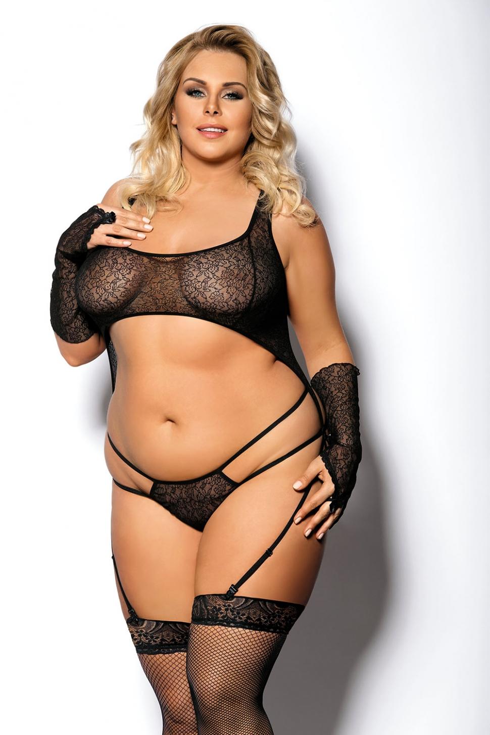 фото пышной женщины в эротической одежде
