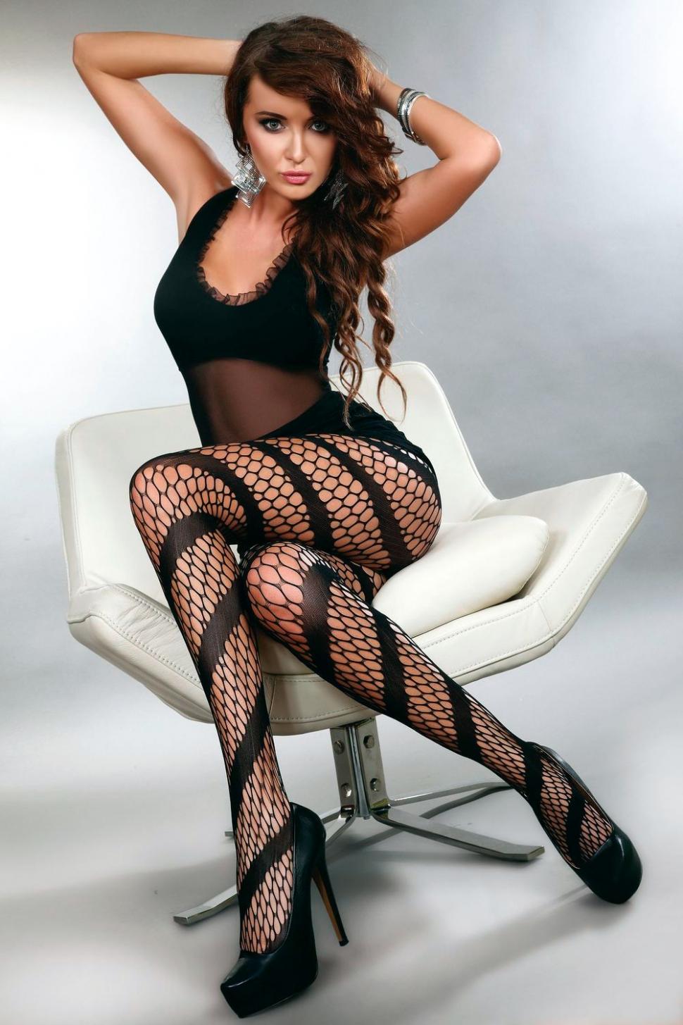 Негритянок бикини женское тело в колготках фото планом